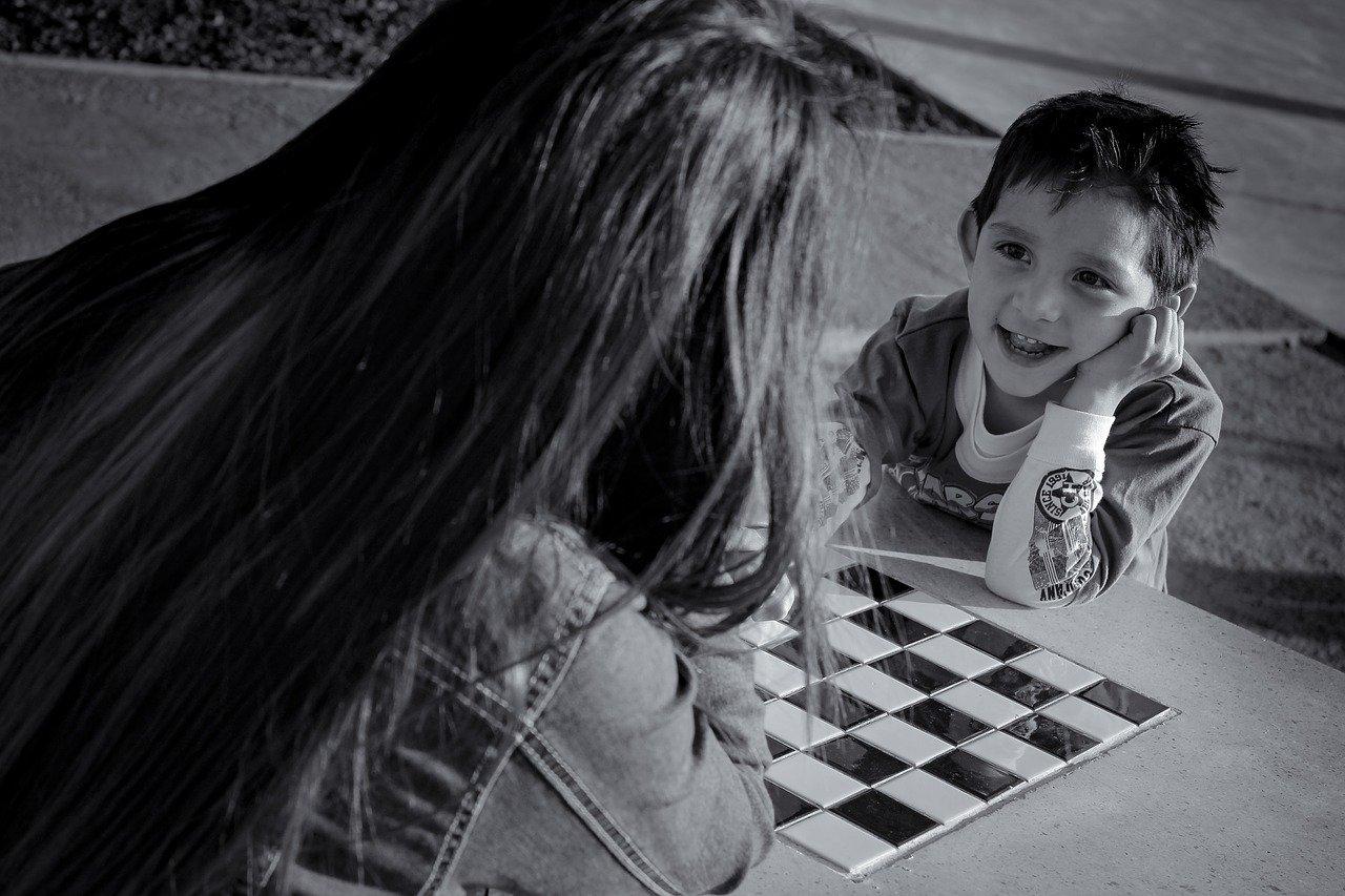 formation pour apprendre à jouer aux échecs aux enfants